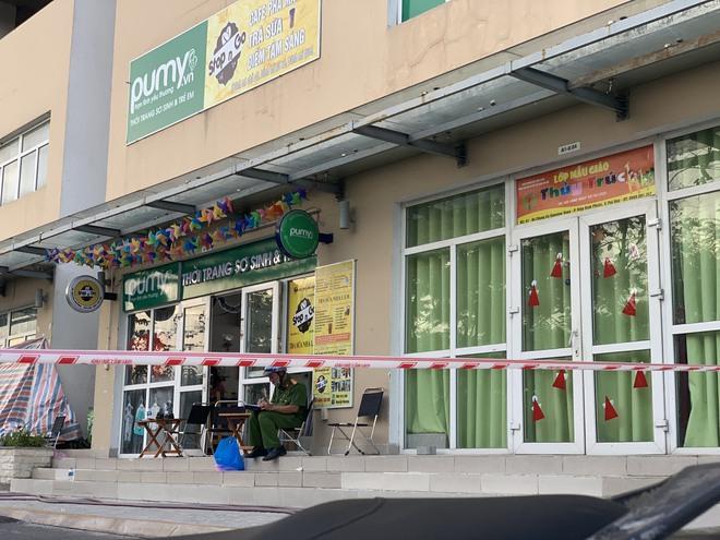 Người phụ nữ 63 tuổi nghi rơi từ tầng 16 chung cư Sunview Town ở Sài Gòn - Ảnh 2.