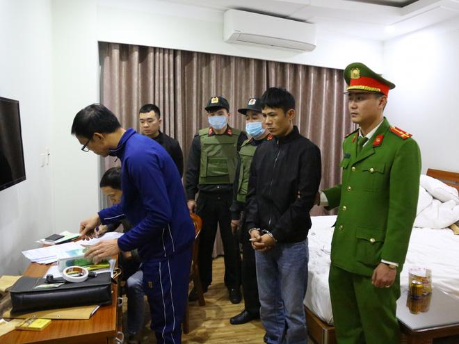 Cảnh sát đồng loạt ập vào bắt 21 chủ cơ sở lô đề, cá độ 2 tỉnh Nghệ An, Hà Tĩnh - Ảnh 1.