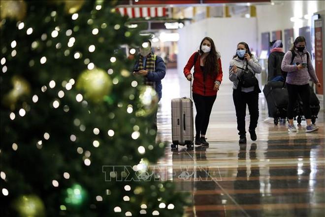 Diễn biến COVID-19 tới 6h sáng 25/12:Mỹ khuyến cáo đón Giáng sinh tại nhà; Nhiều nước có ca mắc và tử vong tăng mạnh - Ảnh 1.