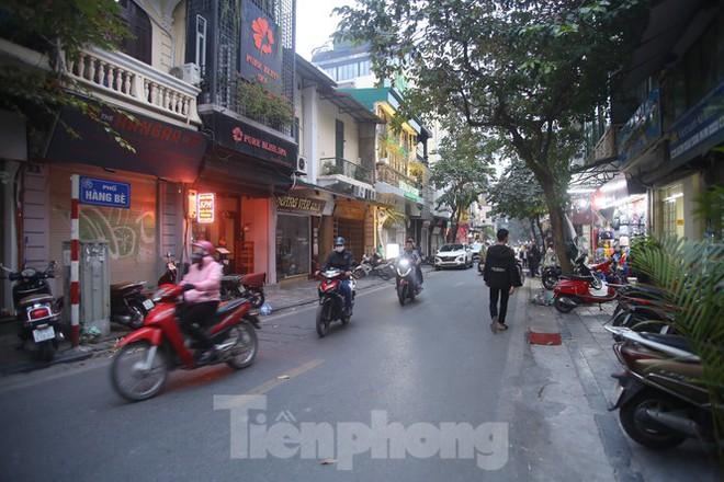 Hà Nội chính thức mở rộng không gian đi bộ trong phố cổ - Ảnh 1.