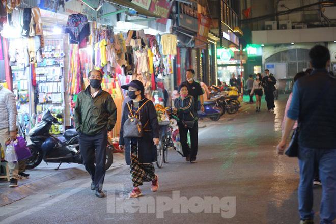 Hà Nội chính thức mở rộng không gian đi bộ trong phố cổ - Ảnh 9.