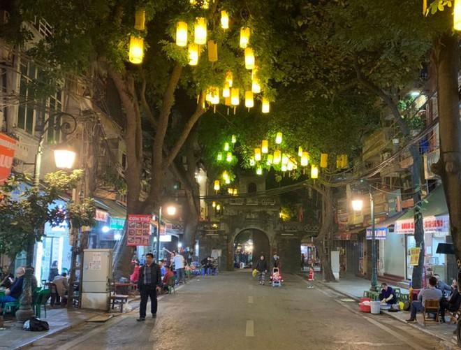 Hà Nội chính thức mở rộng không gian đi bộ trong phố cổ - Ảnh 10.