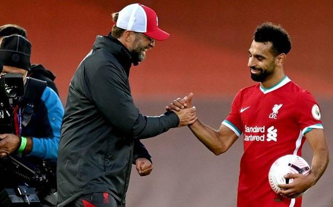 HLV Klopp bác bỏ đồn đoán Salah rời Liverpool.