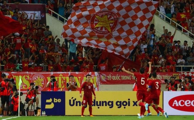 """Malaysia """"vướng rào"""", thầy trò tướng Park có lợi thế trong cuộc đua vòng loại cuối World Cup"""