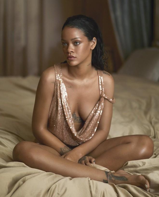 Theo đuổi giấc mơ và bài học đắt giá của ca sĩ giàu nhất thế giới - Rihanna - Ảnh 6.