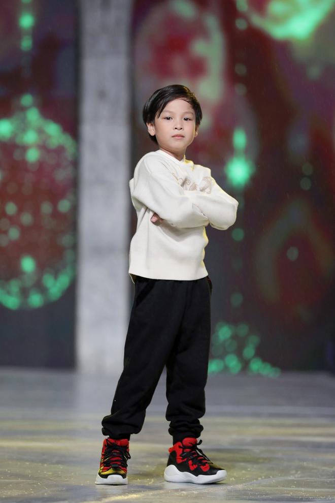 Cindy Thái Tài lấn sang lĩnh vực thời trang - Ảnh 4.