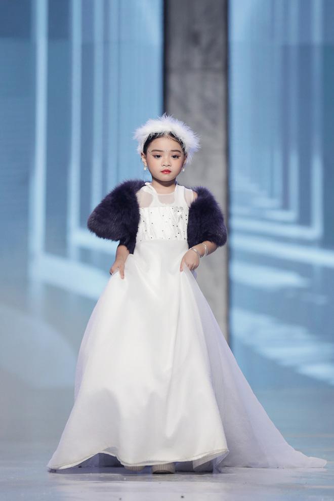 Cindy Thái Tài lấn sang lĩnh vực thời trang - Ảnh 3.