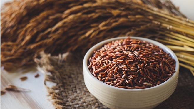 Khoai lang hay gạo lứt bổ dưỡng hơn? Đọc ngay so sánh chi tiết để chọn món tốt nhất cho bạn - Ảnh 3.