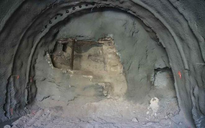 Đào đường, lọt vào kho báu tráng lệ hơn 2.000 năm tuổi - Ảnh 1.