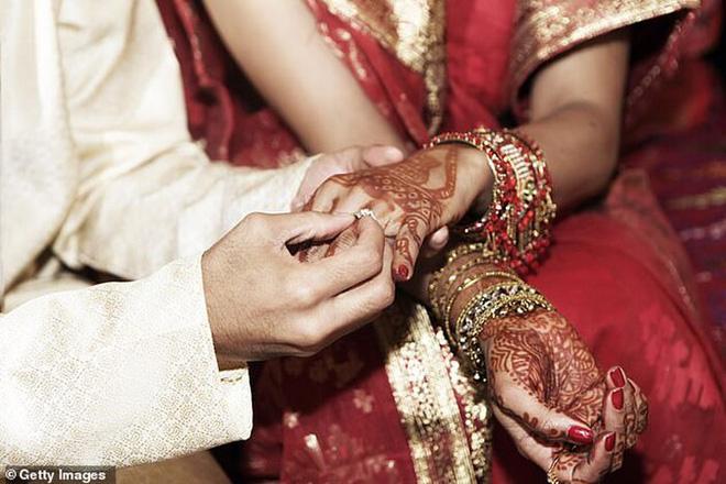 Chồng đòi ly hôn vợ ngay sau đám cưới, biết lý do ai cũng cảm thông - Ảnh 1.