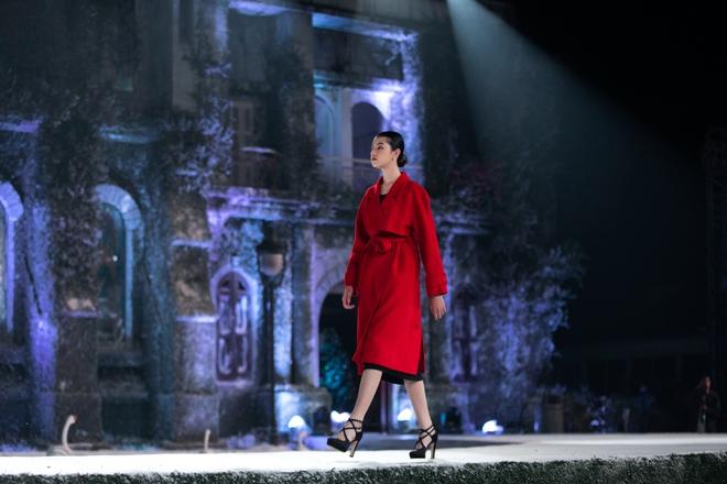 Nhan sắc của Lily Trương trên sàn catwalk - Ảnh 6.