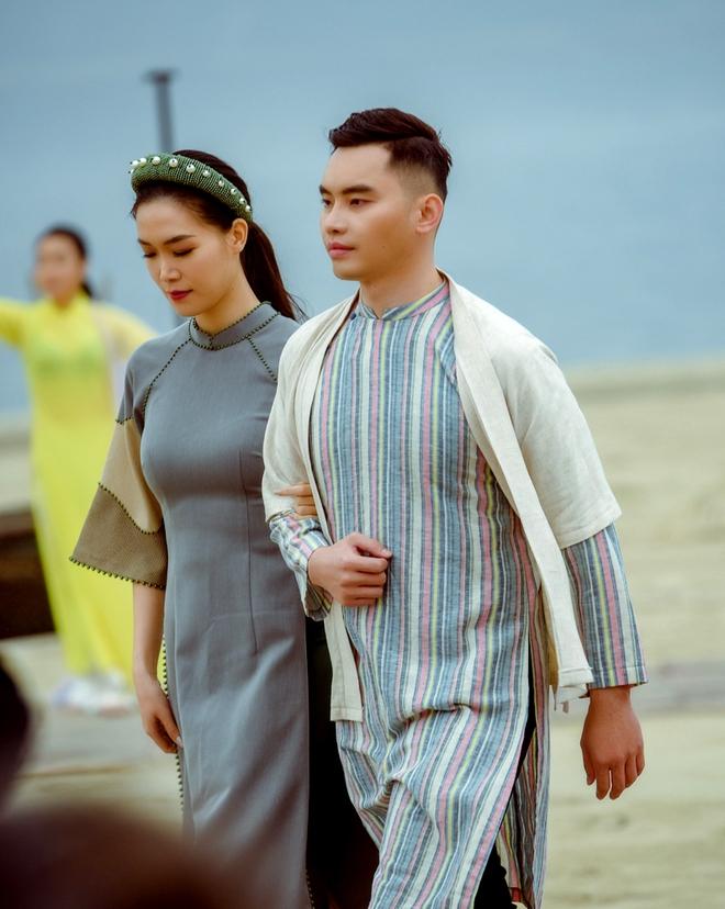 Hoa hậu Thùy Dung làm nàng thơ cho NTK Cao Minh Tiến - Ảnh 4.