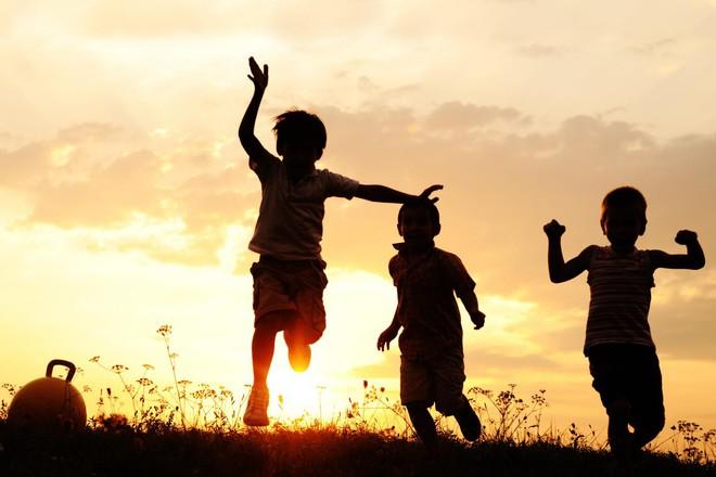5 đặc điểm dễ nhận biết của những đứa trẻ thông minh, hãy xem con bạn sở hữu bao nhiêu! - Ảnh 2.