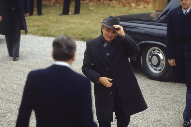 Reagan và Gorbachev đã gặp nhau, tránh được Thế chiến 3 như thế nào? - ảnh 2