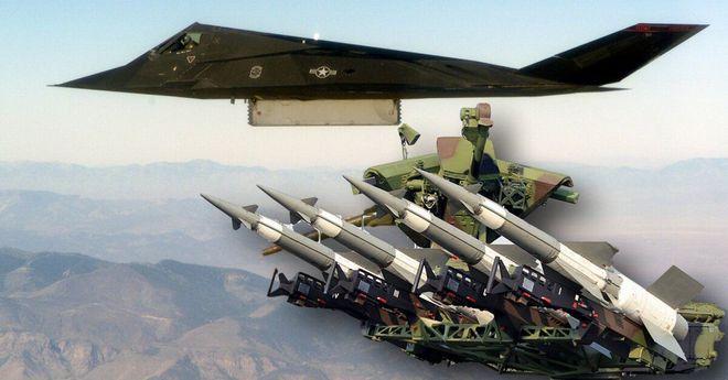 2 máy bay tàng hình khủng Mỹ bị hạ - Serbia: Xin lỗi, chúng tôi không biết nó tàng hình! - Ảnh 2.