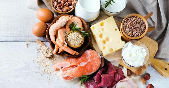 Chúng ta cần ăn uống gì trong 1 ngày: BS dinh dưỡng chỉ ra suất ăn chuẩn khoa học - Ảnh 2.