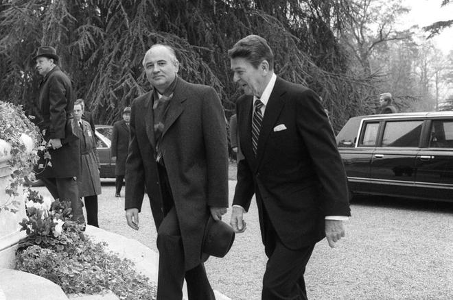 Reagan và Gorbachev đã gặp nhau, tránh được Thế chiến 3 như thế nào? - ảnh 4