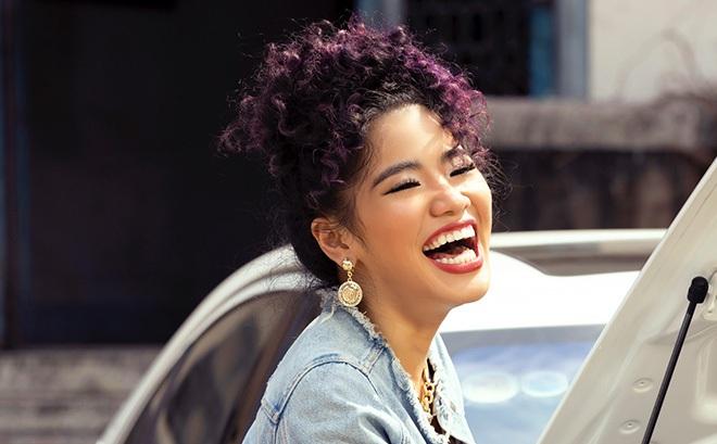 Ái nữ 22 tuổi của Cẩm Vân theo đuổi con đường ca hát chuyên nghiệp