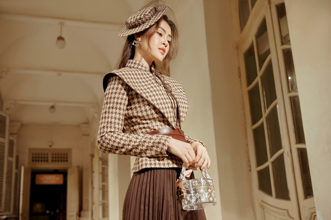 Á hậu Lý Kim Thảo mặc kín đáo vẫn quyến rũ - Ảnh 9.