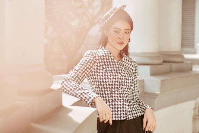 Á hậu Lý Kim Thảo mặc kín đáo vẫn quyến rũ - Ảnh 8.