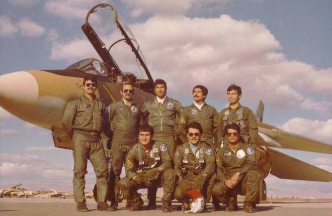 Tiêm kích Mỹ lập kỷ lục thế giới: Một tên lửa hạ cùng lúc 3 máy bay MiG - Chưa từng có - Ảnh 2.