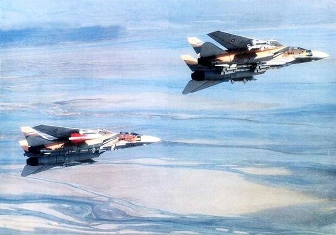 Tiêm kích Mỹ lập kỷ lục thế giới: Một tên lửa hạ cùng lúc 3 máy bay MiG - Chưa từng có - Ảnh 4.