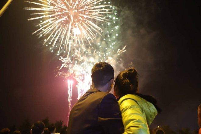 Những lời chúc Tết Dương lịch 2021 ý nghĩa và ngọt ngào nhất dành cho người yêu, vợ chồng - Ảnh 1.