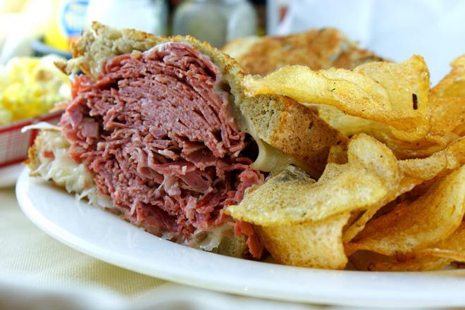 5 tác hại của ăn quá nhiều thịt: Người thích ăn thịt cần biết! - Ảnh 3.