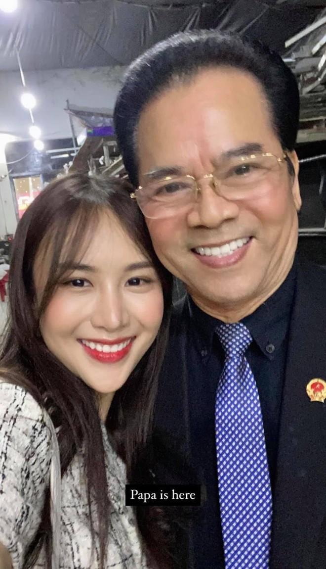 Con gái út xinh đẹp của NSND Trần Nhượng: Từng tủi thân khi gia đình ly tán và không muốn dựa vào danh tiếng của bố  - Ảnh 1.