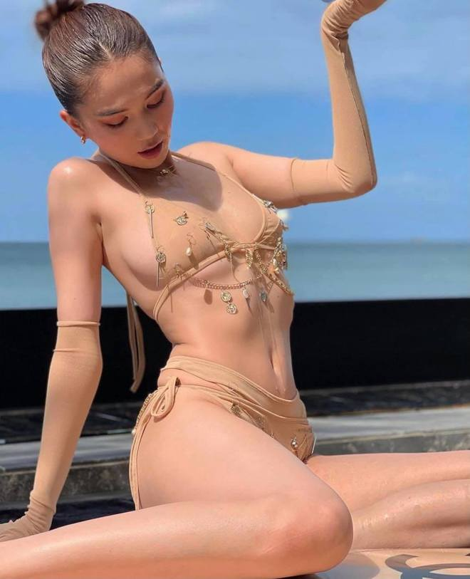 Ngọc Trinh diện bikini nóng bỏng, dân mạng lập tức so sánh với Chi Pu - Ảnh 9.