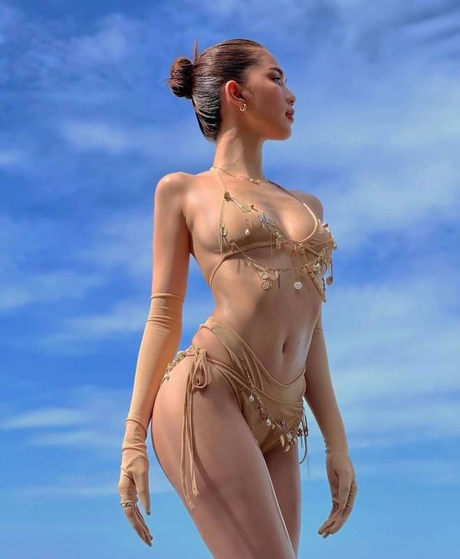 Ngọc Trinh diện bikini nóng bỏng, dân mạng lập tức so sánh với Chi Pu - Ảnh 8.