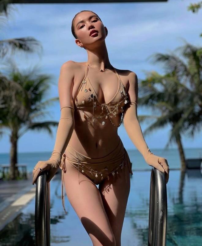 Ngọc Trinh diện bikini nóng bỏng, dân mạng lập tức so sánh với Chi Pu - Ảnh 6.