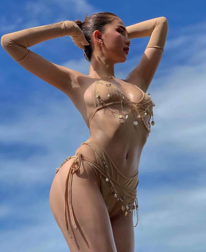 Ngọc Trinh diện bikini nóng bỏng, dân mạng lập tức so sánh với Chi Pu - Ảnh 3.