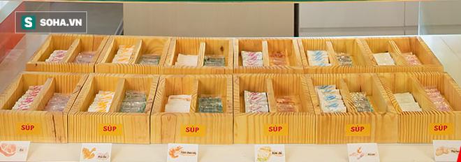 Đại gia mì Hảo Hảo làm nhà hàng: Buffet mì tôm giá 10.000 đồng - Ảnh 3.