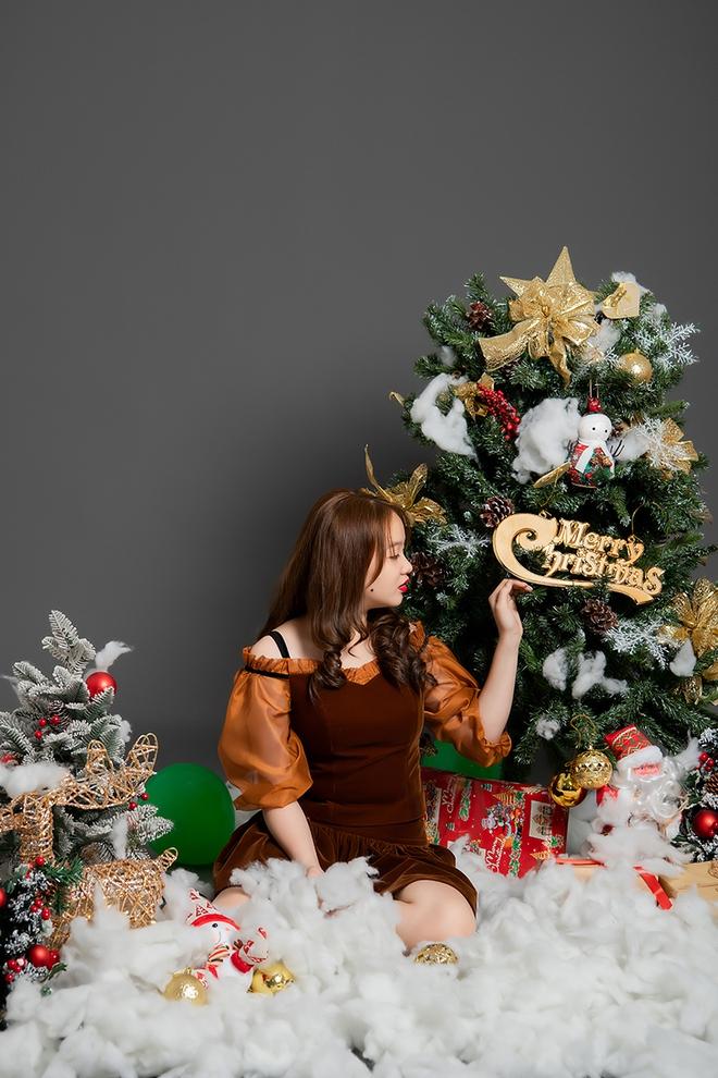 Mẫu nhí Hải Anh khoe vẻ đáng yêu trong bộ ảnh đón Giáng sinh - Ảnh 5.