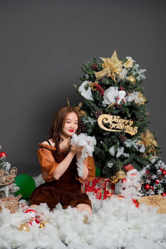 Mẫu nhí Hải Anh khoe vẻ đáng yêu trong bộ ảnh đón Giáng sinh - Ảnh 7.