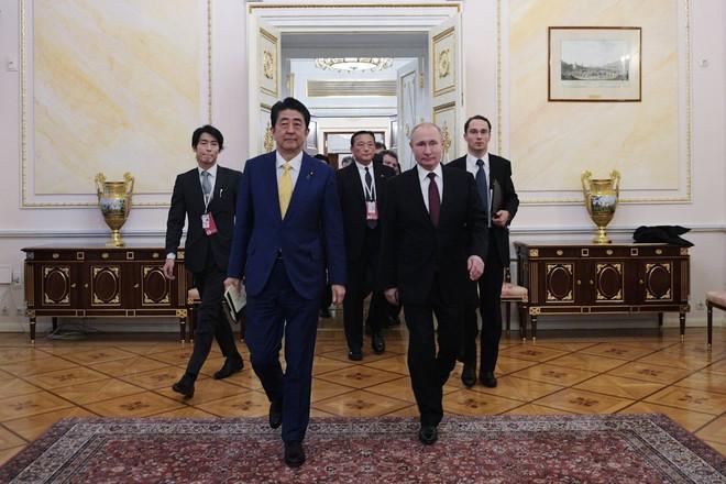 Nga bất ngờ điều hàng loạt tên lửa áp sát Nhật Bản, Tokyo nổi giận - Ảnh 1.