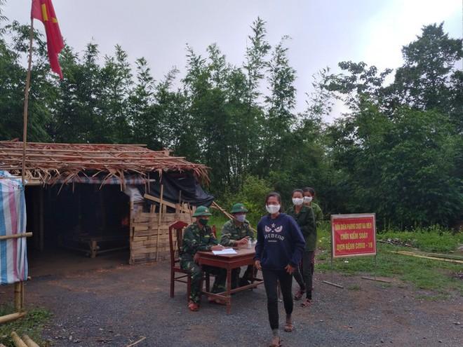 Thanh Hoá tạm dừng tiếp nhận công dân nhập cảnh về nước cách ly tự nguyện - Ảnh 1.