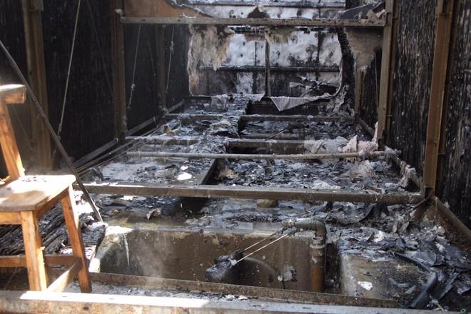 Hà Nội: Cháy hệ thống điều hoà khu chung cư khiến hàng trăm cư dân hoảng sợ - Ảnh 1.