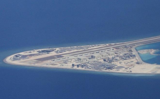 """Báo Trung Quốc: Đảo nhân tạo ở biển Đông """"dễ bị tấn công"""""""