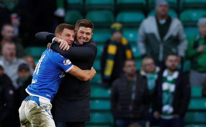 Độc cô cầu bại tại Scotland, huyền thoại Gerrard trở lại Liverpool?