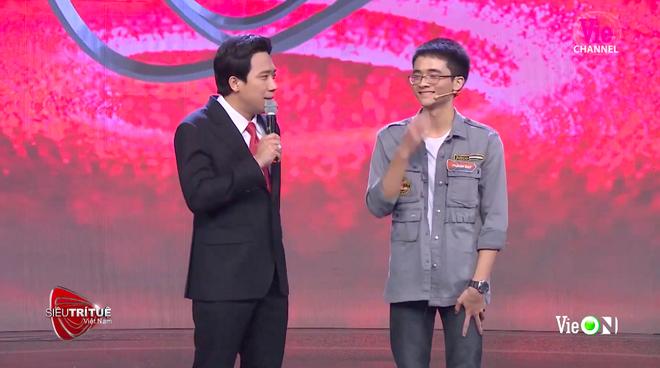 Siêu trí tuệ Việt Nam: Cựu thí sinh Olympia khiến BGK lặng người khi vượt qua thử thách bất khả thi  - Ảnh 1.
