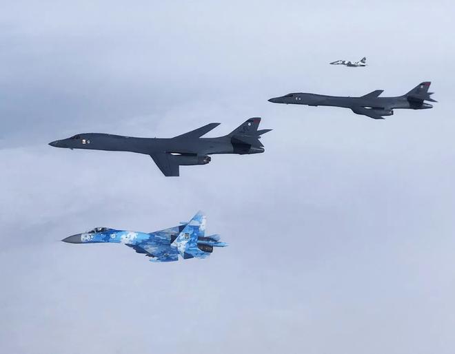 Bán đảo Crimea đã nằm trong tay lại bị Nga cướp mất, Mỹ sẽ dùng bom hạt nhân phục hận? - Ảnh 3.