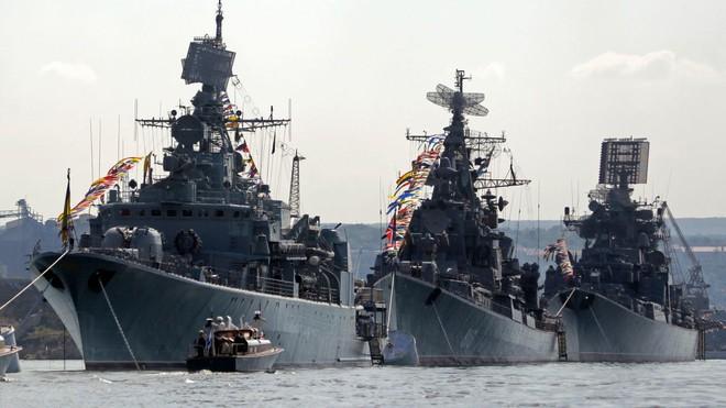 Bán đảo Crimea đã nằm trong tay lại bị Nga cướp mất, Mỹ sẽ dùng bom hạt nhân phục hận? - Ảnh 2.