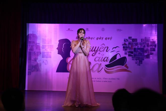 Nguyễn Phi Hùng, Võ Hạ Trâm hát gây quỹ cho miền Trung - Ảnh 1.