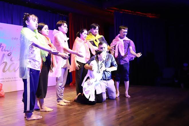 Nguyễn Phi Hùng, Võ Hạ Trâm hát gây quỹ cho miền Trung - Ảnh 2.