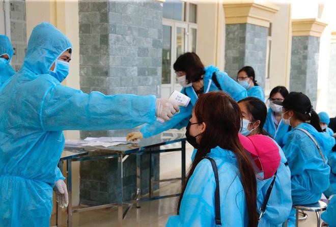 Việt Nam tăng tốc thử nghiệm vắc xin Covid-19 trên người; Hai người Trung Quốc nhập cảnh trái phép âm tính lần 1 với SARS-CoV-2 - Ảnh 2.