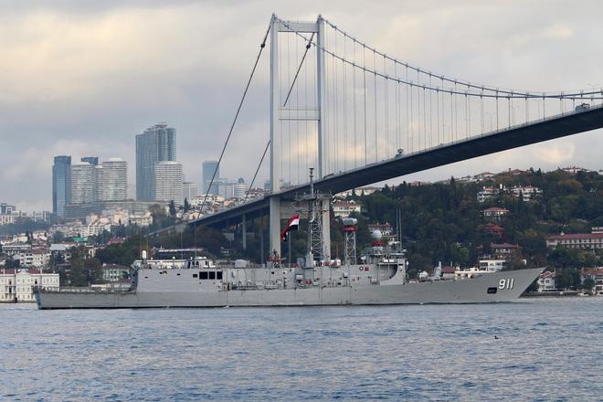 Chấn động: NATO chuẩn bị tấn công Belarus? - Tàu chuyên dụng hàng nghìn tấn của Iran bị chìm - Ảnh 2.