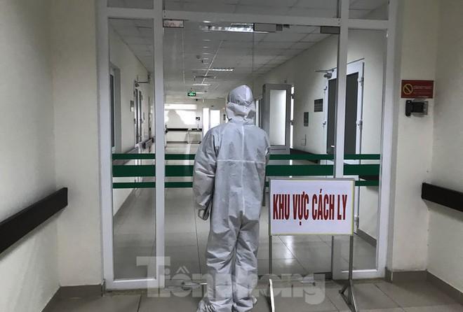 Đã ghi nhận 17 tiếp viên hàng không dương tính với SARS-CoV-2 từ 8/11 đến nay; Quảng Nam từng xảy ra vụ Đưa hối lộ để được ra khỏi khu cách ly - Ảnh 1.