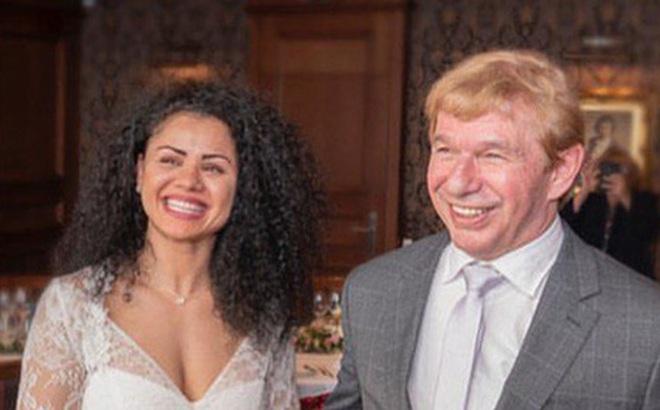 Vừa kết hôn chưa lâu, nhà cựu vô địch quyền Anh đã bị bắt vì nghi đánh chết chồng, lời khai của bạn trai cũ càng khiến tất cả phải sợ hãi hơn